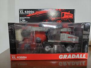 1/32 Gradall XL4300II Diecast Replica