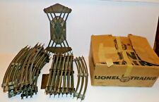OLD LIONEL TRAIN TACKS LOT 27 PCS AND VINTAGE BOX