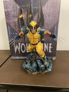 sideshow collectibles premium format Wolverine