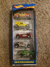 HOT WHEELS  2000 Skateboarders   5 Car Gift Pack #50036