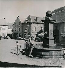ORCIVAL c. 1950 -  Place du Village Fontaine Commerces Puy de Dôme - DIV 9692