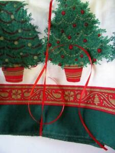"""Vintage Southern Estate Linens Christmas Trees on Green Grid Tablecloth 82""""x60"""""""