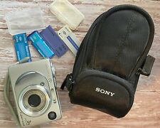Sony Cyber-shot DSC-W1 5.1MP Digital Camera Silver W/Carrying Case Memory Cards