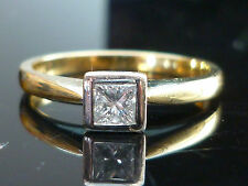 Stunning 18ct gold official 0.20ct Princess cut diamond solitaire ring D12