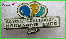 """Pin's Fusée Bombe """"SOYOUZ TCHERNONYL Normandie Eure"""" avec des ballons    #176"""
