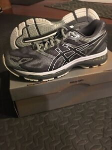 Asics Gel Nimbus Men's Size 9.5 New In box carbon/white/silver running