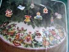 BUCILLA Felt Stitchery Holiday TREE SKIRT Kit,MERRY CHRISTMAS,8 Ornaments,82102