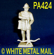 PA424 Military Lead Casting 1:32 Medieval French Crossbowman loading crossbow