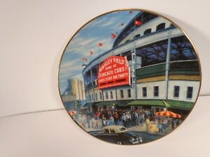 """WRIGLEY FIELD HOME OF CHICAGO CUBS COMMEMORATIVE PLATE BY DELPHI 8 1/2"""""""