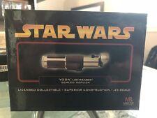 Star Wars Yoda Lightsaber Scaled Replica-SW317 -Master Replicas, .45 Scale