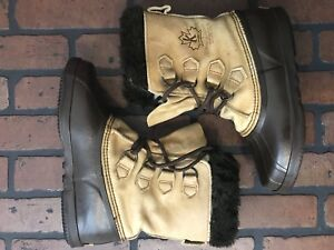 Sorel Women's Winter Boots Two-toned Size 8