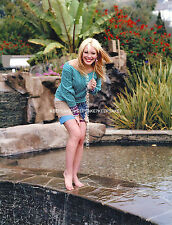 ACTRESS-SINGER HILARY DUFF SEXY YOUNG 8 1/2  X 11 BAREFOOT FEET TOES PHOTO A-HD1