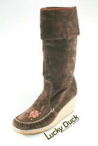 Report Ataani Suede Embroidered Flower Wedge Moccasin Boots Women's Brown SZ 9