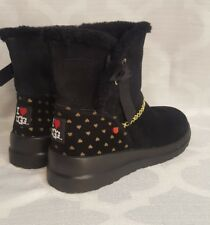 I ❤ UGGS 9 womens heart black boots NWOB NEW back 2 school short wedge fur pure