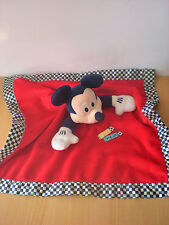 Doudou Mickey plat rouge disney