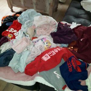 lot revendeur 50 vêtements enfants fille garçon toute taille et saison
