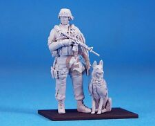Legend 1/35 Modern US Army K-9 Unit (Military Dog w/Handler) (2 Figures) LF0124