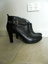 Naturalizer Black Leather Ankle Boots Size 8.5