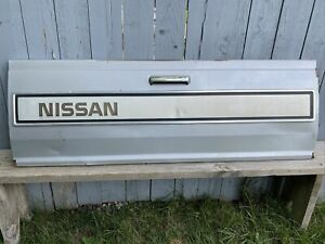Nissan/Datsun Factory OEM 720 ST Tailgate 1985/1986 Silver