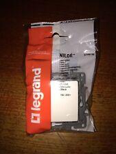Un-Et De Commutateur 10ax 664500 LEGRAND NILOE Eco 2877