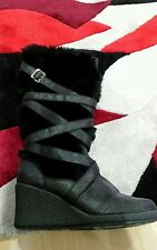 ladies faux fur black boots size 6