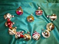 ~ 12 alte Christbaumkugeln Glas bunt rot rosa gold silber weiß Weihnachtskugeln