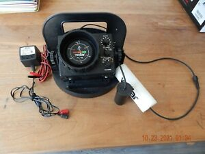 Vexilar FL-8 Ice Fishing Pro Pack Fish Finder WORKING NO BATTERY