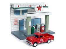 Johnny Lightning *TEXACO GAS STATION DIORAMA* 1965 Chevrolet Pickup *NIB*