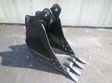 """New 18"""" Jcb 214 / 215 / 1550 / 3Cx / 1700B Backhoe Bucket"""