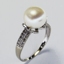 18K WHITE GOLD RING with DIAMONDS and PEARL