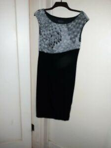 Womans sleeveless dressy dress black