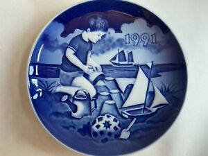 Bing & Grondahl B&G Copenhagen 1991 Fun On The Beach Children's Day Plate