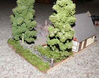 K3  Faller Vollmer o.a. Klostergarten mit Gebäude und Mönche eingebettet Park