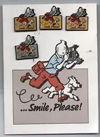 Carte Postale Tintin ...Smile, Please ! avec les 4 pin's publicitaire Kodak