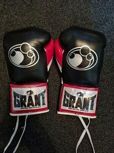 Grant Boxing Gloves 10oz