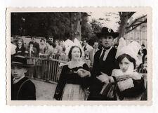 PHOTO ANCIENNE Défilé Breton Bretagne Coiffe Costume traditionnel Folklore 1950