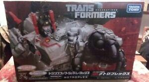 Takara Tomy Transformers Generations TG-23 Metroplex. MISB.