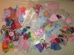 Gros lot + 60 Articles vêtements accessoires Poupée Figurine Barbie Ken + autre