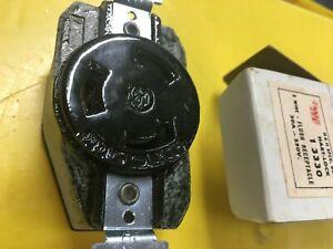 Arrowhart 3330 Flush Receptacle - Twist Lock 3 Wire 30A 250V AH3330