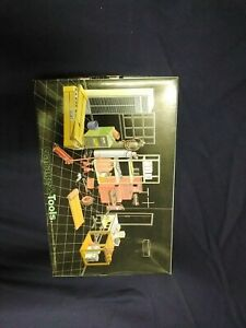 Fujimi Garage And Tools Model Kit. Model Number 11032