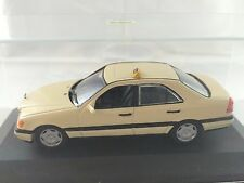 1/43  MINICHAMPS Mercedes-Benz C 200 D Taxi