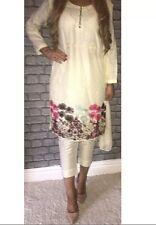 Ready Salwar Kameez. Tailles PETIT, MOYEN & XL disponible.