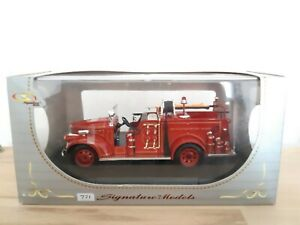 Signature Models GMC Fire truck 1941 1/43