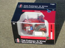 ERTL 1/16 IH FARMALL H WITH MOUNTED PLANTER PRECISION KEY SERIES #5 TRACTOR