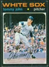 Original Autograph of Tommy John of the White Sox on a 1971 Topps Card