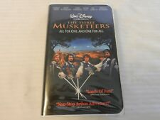 The Three Musketeers (VHS, 1994) Clam Shell, Charlie Sheen, Kiefer Sutherland