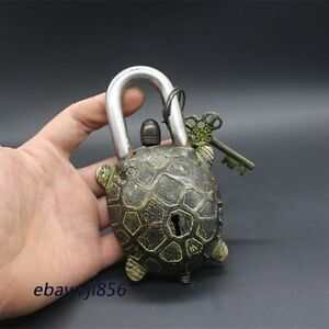 Chinese old bronze carving tortoise Statue lock-up Key