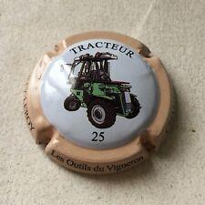 Capsule de Champagne DOURY Philippe 39b. tracteur renault