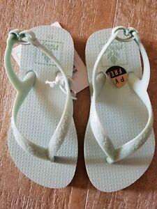 Reef Girls  size 5 5/6 mint green flip flop Sandals Toddler New mini reef escape