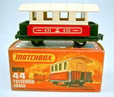 Matchbox SF Nr. 44C Passenger Coach rot & creme ohne Scheiben in Box